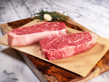 AMERICAN WAGYU KOBE BEEF STYLE SIGNATURE STRIP STEAKS (2 PER PACK)